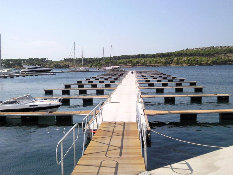 Marina-Mandalina-F-ponton