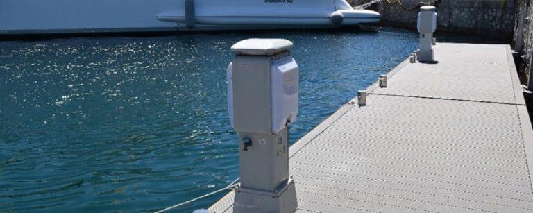 Marinetek pontoni za Flisvos marinu u Grčkoj