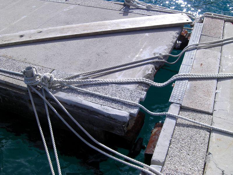 8-puknut-spoj-između-pontona-T-spoj-gat-2